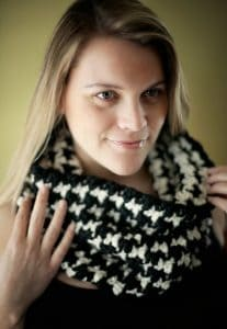 Black and White Houndstooth Cowl