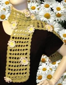 Spring Daisy Scarf