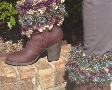 Floofy Boot Toppers Featured