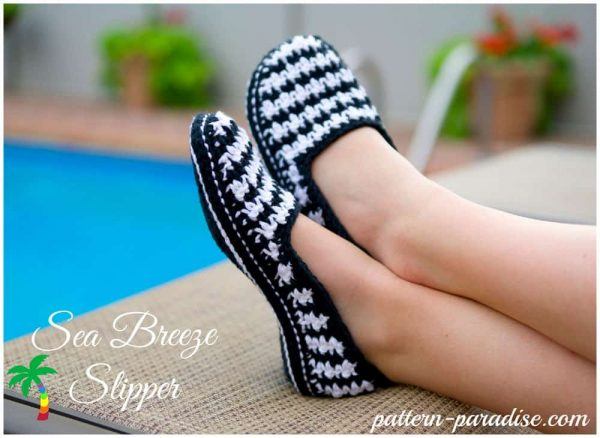 Photo of Sea Breeze Houndstooth Slippers