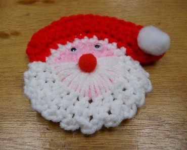 Santa-Pin-Susan-Heyn