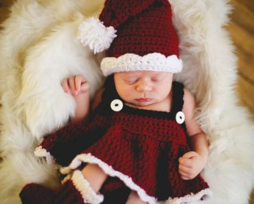 santa-baby-set-jocelyn-sass-cute-crochet