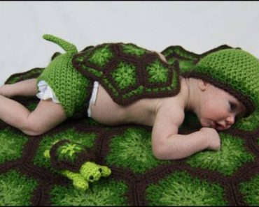 lil-snapper-yarnovations-turtle-baby-photo-prop