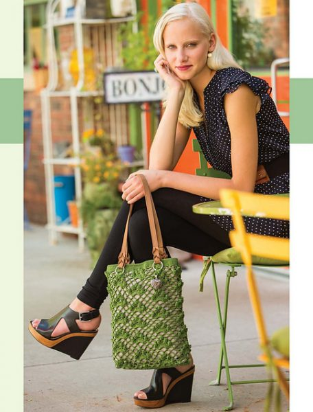 Colorful_Crochet_Lace_-_Daytime_in_Paris_Shoulder_Bag_beauty_image_medium2
