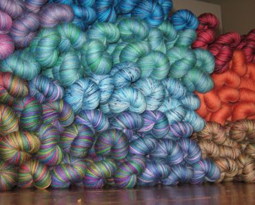 Giveaway | The Yarns of Rhichard Devrieze