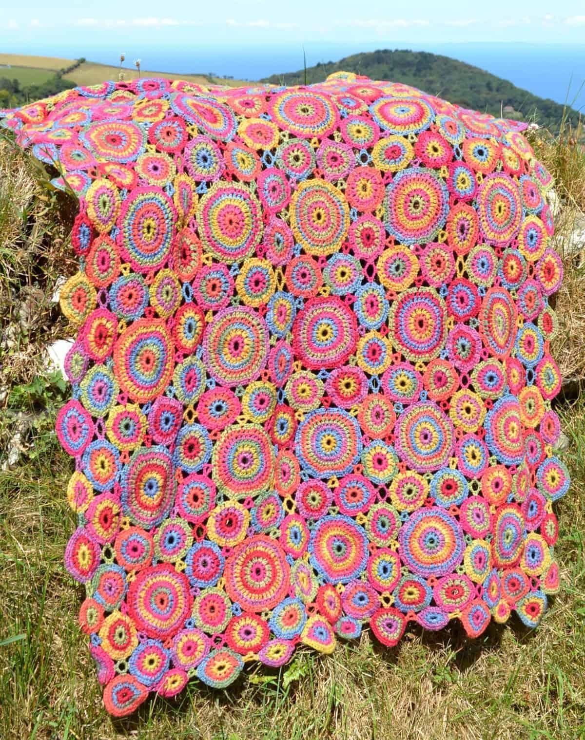Kissing Circles & Kaffe Crochet Blankets | Amanda Perkins