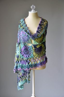 CS Sequins Lite Guadalupe Stole Free Pattern | Universal Yarn