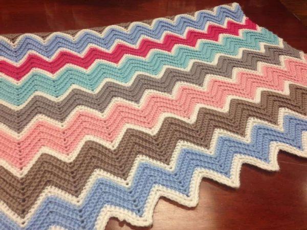 Unraveled-Yarn | Chevron Crochet Baby Blanket