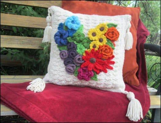 Yarnovations_Project-2-FloralHeartPillow4-99