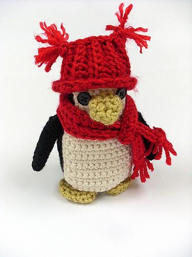 penguin-red-heart