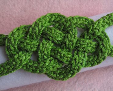 Jennifer E Ryan | Celtic Knot Crochet | Celtic Knot Bracelet