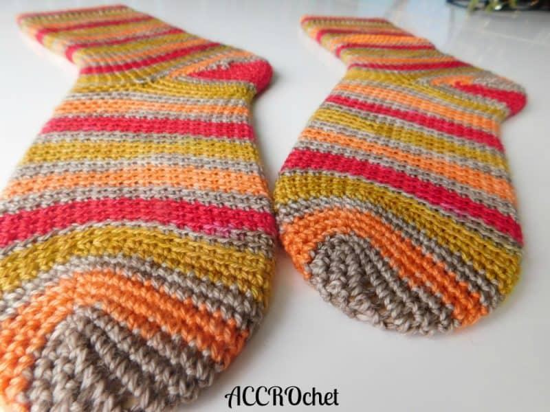 Julie Desjardins | ACCROchet | Dobby Socks