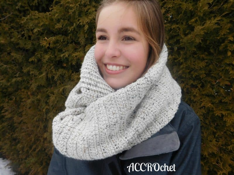 Julie Desjardins | ACCROchet | Oatmeal Scarf to Shawl to Top