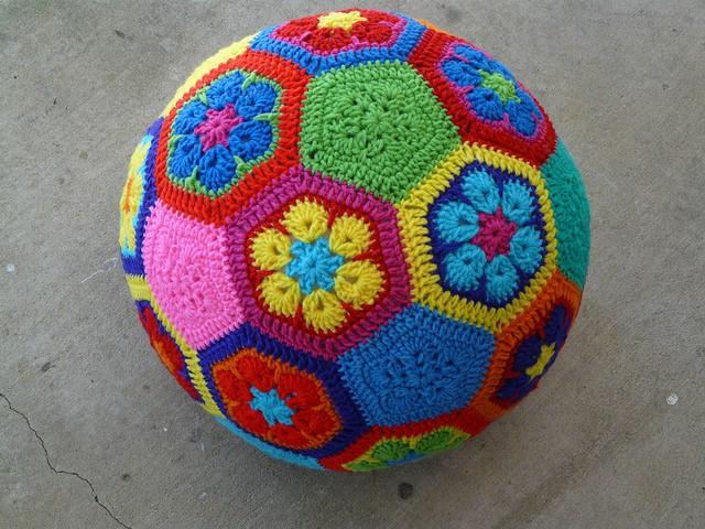 Leslie Stahlhut | Crochet Bug | Crochet Soccer Ball