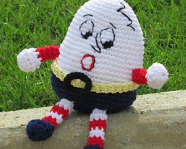 Phyllis Serbes | Mainly Creative Gifts | Humpty Dumpty in Crochet